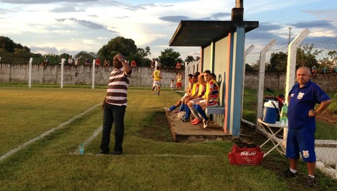 Técnico do Tocantins, Luís Carlos, estreia com vitória (Foto: Vilma Nascimento/GloboEsporte.com)