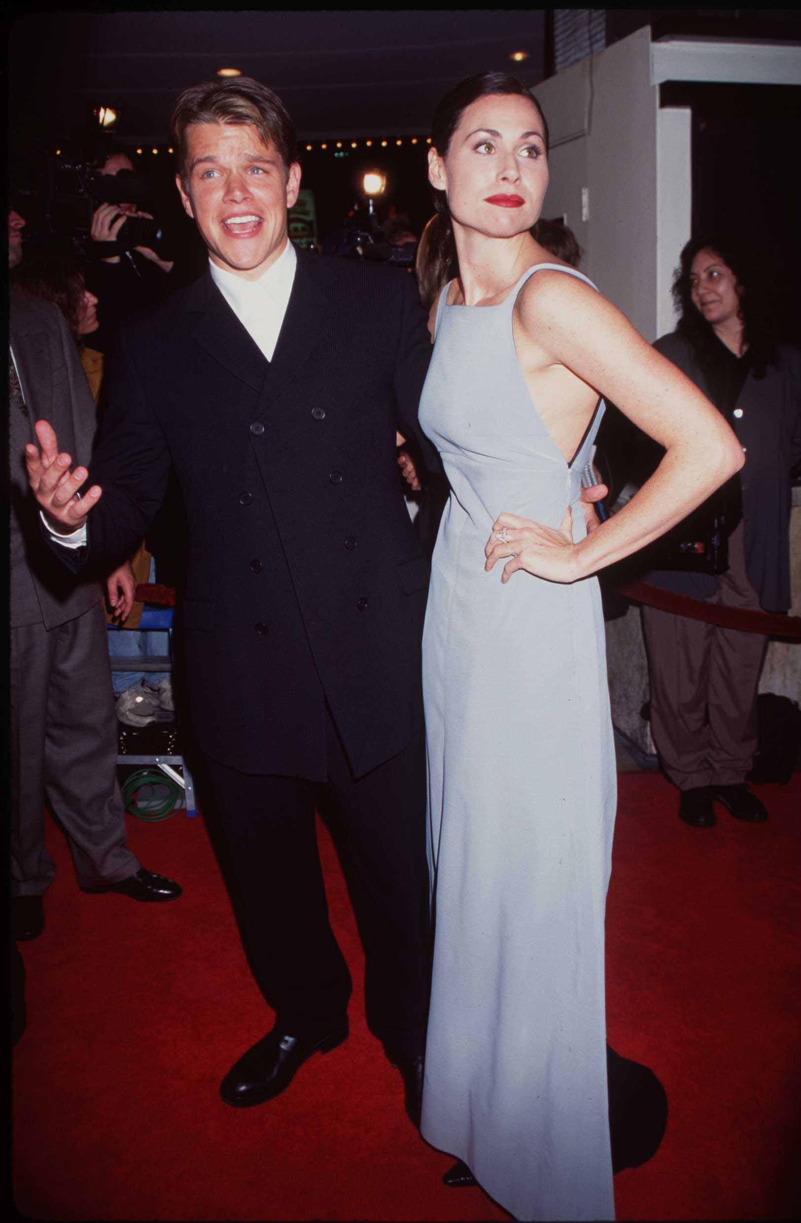 """A atriz Minnie Driver descobriu que não era mais a namorada de Matt Damon ao mesmo tempo em que todo mundo. Em 1998, numa entrevista com Oprah Winfrey, o ator disse que estava solteiro. """"Achei fantasticamente inapropriado"""", comentou Minnie sobre o caso. (Foto: Getty Images)"""