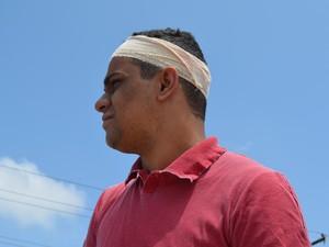 Waldir Pires Bittencourt, de 25 anos, diz ser vítima de preconceito (Foto: Dyepeson Martins/G1)