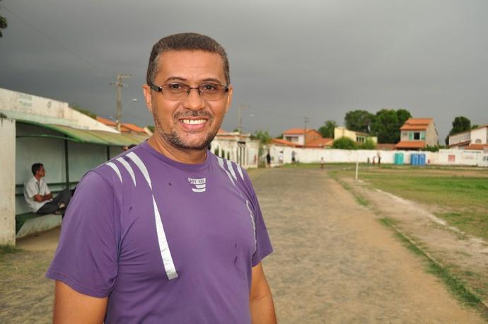 Antônio Nilson acompanha treinos de Joelma em Timon (Foto: Renan Morais/GLOBOESPORTE.COM)