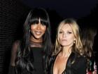Naomi Campbell e Kate Moss vão a evento em Londres