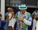Sem jeito, Petkovic cai no samba com a Caprichosos de Pilares