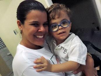 Paola começou ainda durante a gestação a estimular o filho (Foto: Katherine Coutinho / G1)
