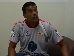 Treinador do Baré quer apoio da torcida e promete que equipe vai lutar em campo (Foto: Bruno Willemon)