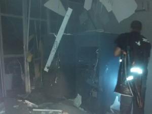 Explosão a dois aixas eletrônicos do Bradesco em Capela (Foto: PM/Divulgação)