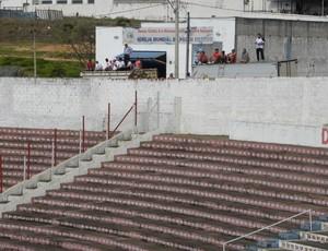 Torcedores do Ituano assistem ao jogo contra o Capivariano em cima de um caminhão  (Foto: Divulgação/ Ituano)