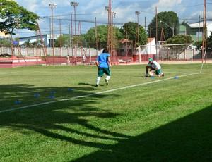 Lucas Morelatto é uma das duas dúvidas do Palmeiras para a estreia na Copinha (Foto: Angelo Tedeschi)