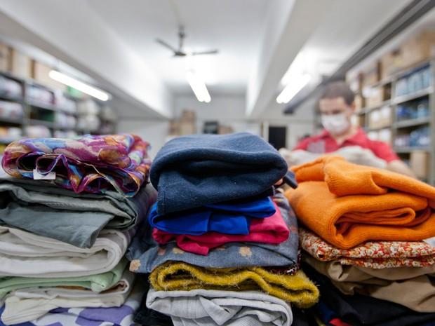 Foram doadas mais de um milhão de roupas no RS (Foto: Alina Souza/Palácio Piratini)
