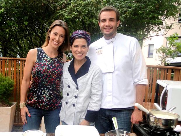 Dani Monteiro, Flávia Quaresma e Max Fercondini colocam a mão na massa (Foto: Vídeo Show/TV Globo)