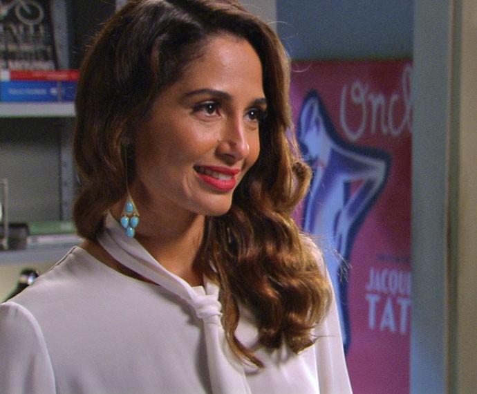 Depois de terminar com Carlos Alberto, a hostess procura o ex (Foto: TV Globo)