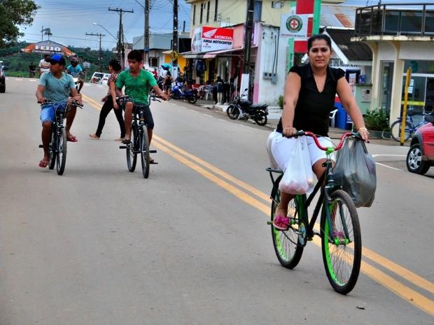 Número de bicicletas supera o de carros e motos em Feijó