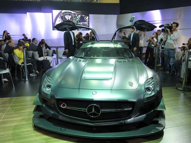 G1 mercedes benz faz estreia mundial do sls gt3 45th no for Mercedes benz route 22