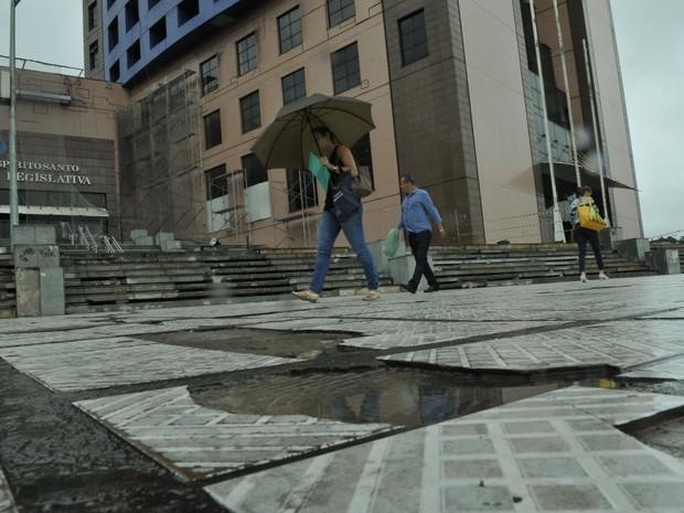 Obras de adequação da calçada vão custas mais de R$500 mil, no Espírito Santo (Foto: Carlos Alberto Silva / A Gazeta)