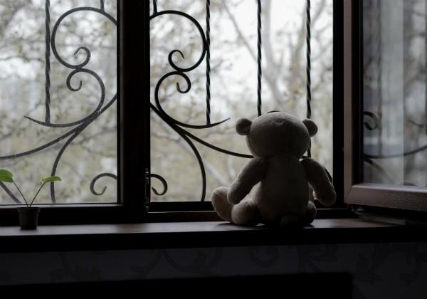 Violência sexual: Pai e irmão de adolescente de 16 anos são acusados de estuprá-la desde os 10 (Foto: Thinkstock)