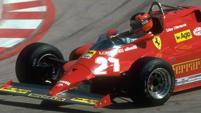 """Com um """"V"""" estilizado, o casco de Gilles Villeneuve foi criado por sua esposa, Joann (Foto: Getty Images)"""