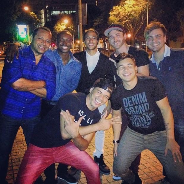 Thiaguinho, Neymar e amigos (Foto: Reprodução/ Instagram)