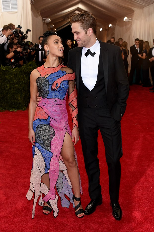 FKA TWigs e Robert Pattinson (Foto: AFP)