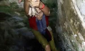 Veja turista que caiu em poço e mais cenas curiosas na hora do selfie
