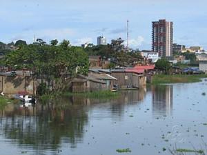 Cheia em Manaus, bairro Bariri (Foto: Reprodução/TV Amazonas)