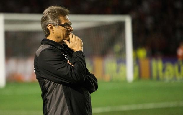 Oswaldo de Oliveira Botafogo x Atlético-PR (Foto: Joka Madruga / Ag. Estado)