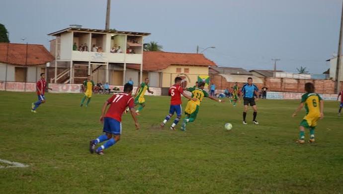 Alenquer e Prainha fazem confronto disputado na final da Copa Oeste do Pará (Foto: Weldon Luciano/GloboEsporte.com)