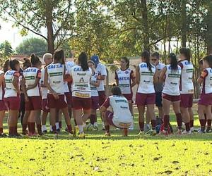 Treino do time feminino da Ferroviária 2014 (Foto: Clausio Tavoloni/EPTV)