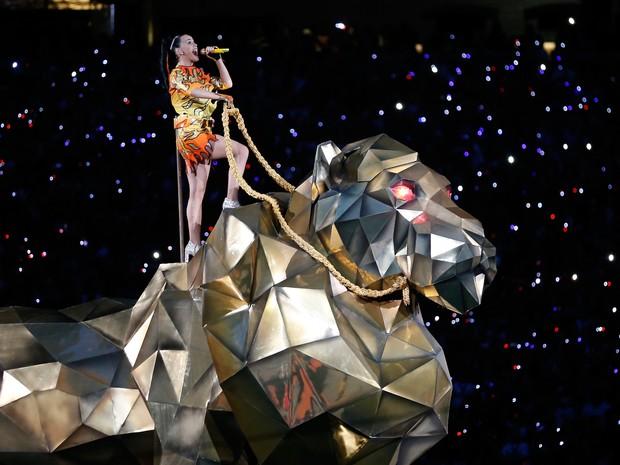 Katy Perry canta no Super Bowl em Glendale, no Arizona, nos Estados Unidos (Foto: Christian Petersen/ AFP)