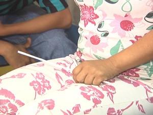 Além das duas enteadas, a que tem Síndrome de Down também relatou sofrer abusos sexuais (Foto: Reprodução/TV Tapajós)