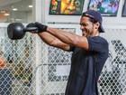 Vídeo exclusivo: Raphael Viana mostra toda sua força no crossfit!