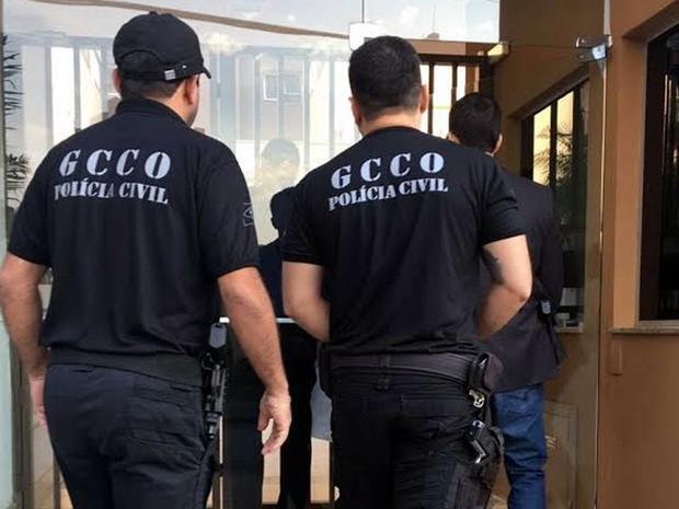 Casa de juiz aposentado suspeito de golpe é alvo de nova fase da Operação Castelo de Areia, da Polícia Civil em Cuiabá (Foto: Assessoria/Polícia Civil de MT)