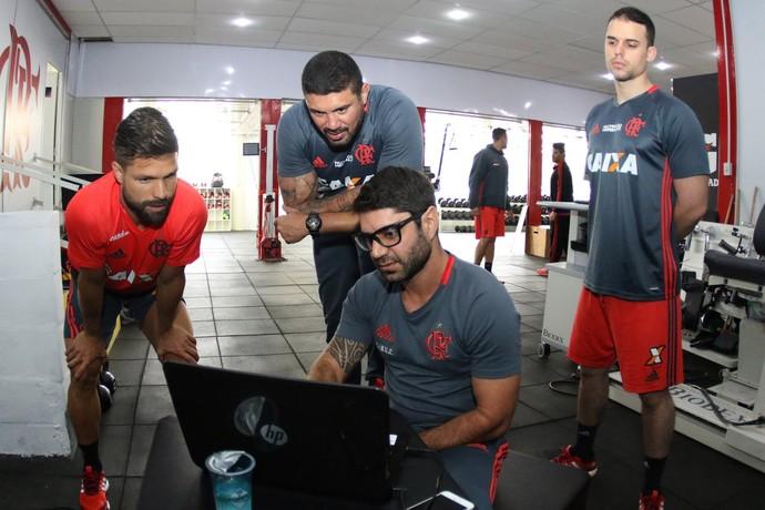 Diego em primeiro dia no Fla (Foto: Gilvan de Souza/Flamengo)