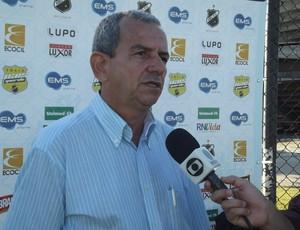 Roberto Vital, médico do ABC (Foto: Tiago Menezes/GLOBOESPORTE.COM)