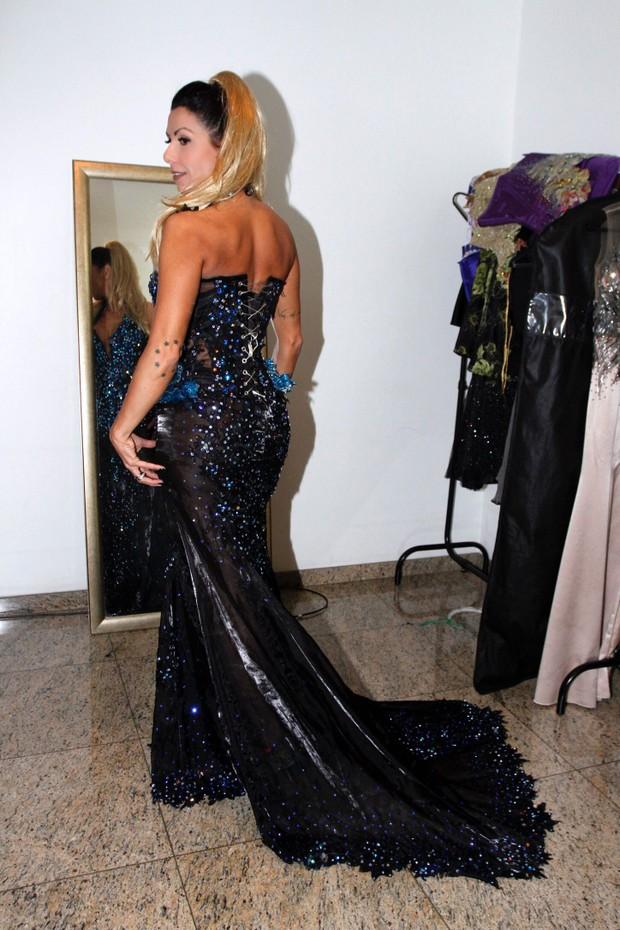 Nagila Coelho, madrinha da Tatuapé, veste peças feitas por Michelly X, a estilista das estrelas (Foto: Paduardo / MF Models Assessoria)