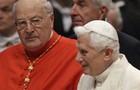 Papa Bento XVI reaparece e vai  a cerimônia  de surpresa (Alessandra Tarantino/AP)