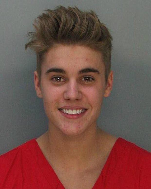 Justin Bieber na foto de fichamento policial (Foto: Divulgação/ Departamento de Polícia de Miami)