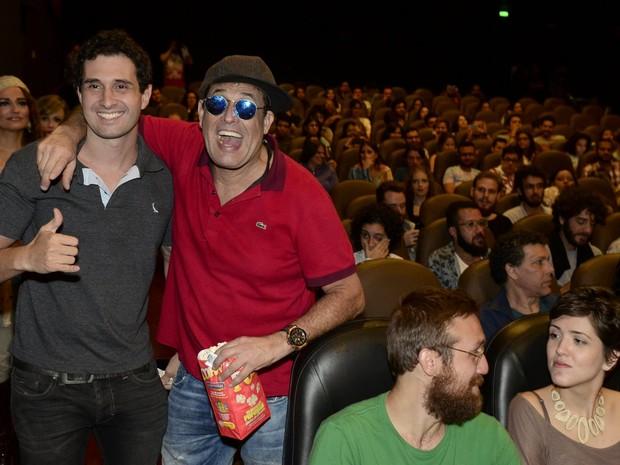 Sérgio Mallandro e o filho Sérgio Tadeu em cinema na Zona Sul do Rio (Foto: Roberto Teixeira/ EGO)