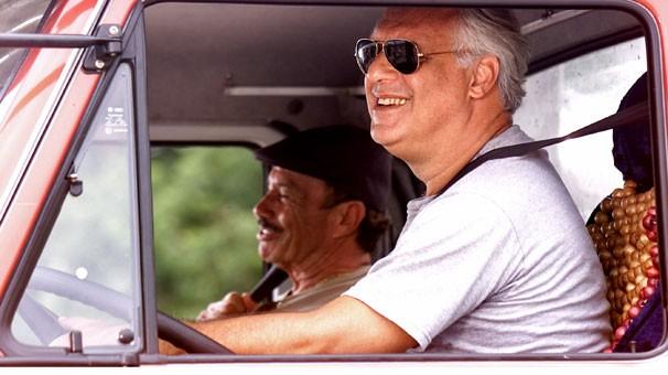 Aventuras dos caminhoneiros Pedro (Antônio Fagundes) e Bino (Stênio Garcia) estão em Carga Pesada (Foto: Globo)