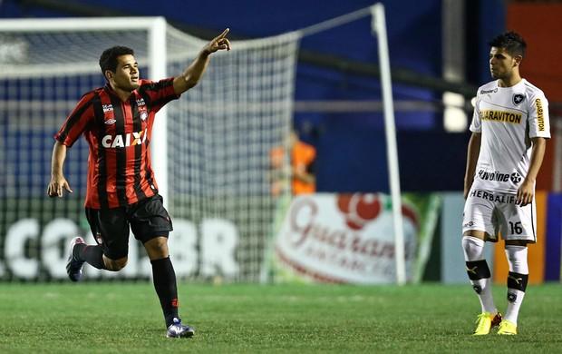 Ederson gol Atlético-PR x Botafogo (Foto: Heuler Andrey / Ag. Estado)