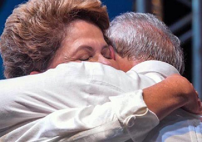 Dilma e Lula utilizaram suas páginas no Facebook para se cumprimentarem pelo Dia do Amigo (20 de julho) (Foto: Arquivo Google)