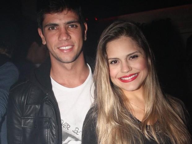 Jéssika Alves com o namorado, Thiago Blanco, em boate no Rio (Foto: Anderson Borde/ Ag. News)