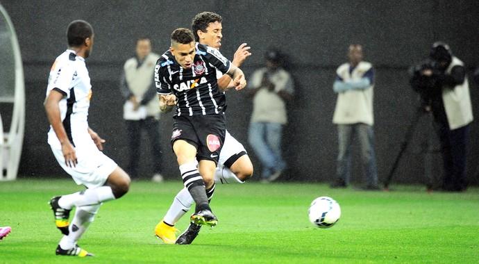 Paolo Guerrero, Corinthians X Atlético-mg (Foto: Marcos Ribolli)