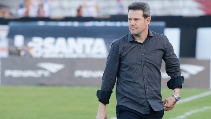 Argel - SANTA CRUZ x INTER (Foto: Agência Estado)