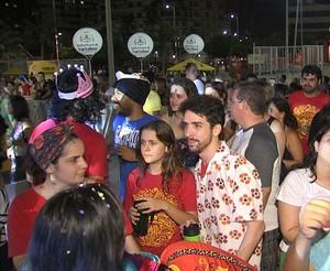 Luxo da Aldeia encanta foliões e turistas no Aterrinho de Fortaleza (TV Verdes Mares/Reprodução)