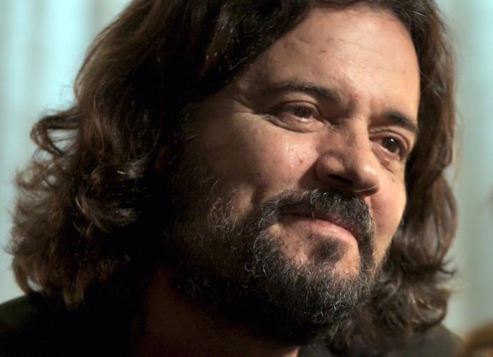Ele diz que está cada dia mais apaixonado por Emília (Foto: TV Globo)