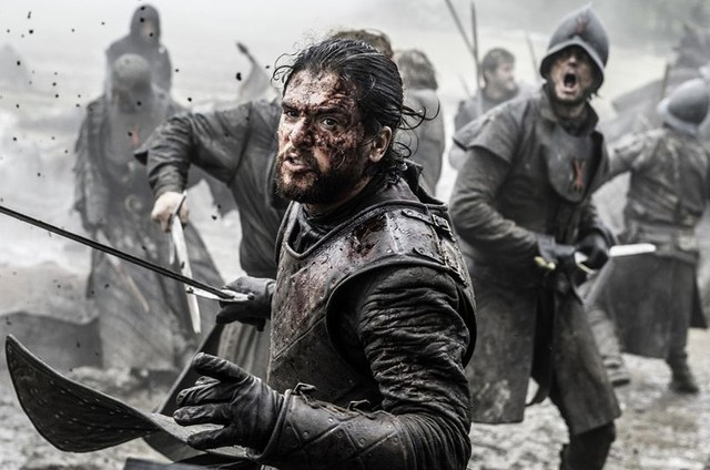 Kit Harington, o Jon Snow, numa sequência de 'Game of thrones' (Foto: Helen Sloan/HBO /AP)