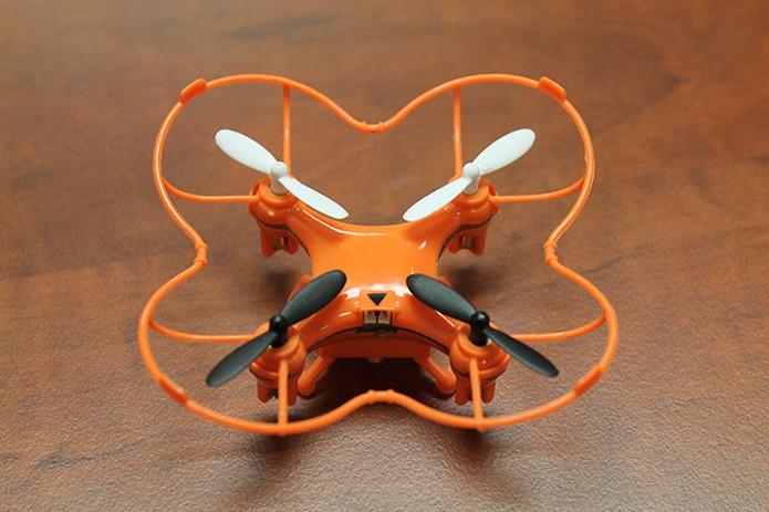 Nano drone tem laterais reforçadas para não danificar a hélice durante o voo (Foto: Divulgação/Indiegogo)