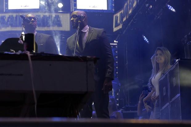 Cacau Colucci no palco de Luan Santana (Foto: Alessandra Gerzoschkowitz/EGO)