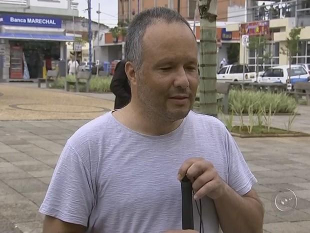 Flávio Marcos já entrou na Justiça para poder estudar em universidade (Foto: Reprodução/ TV TEM)