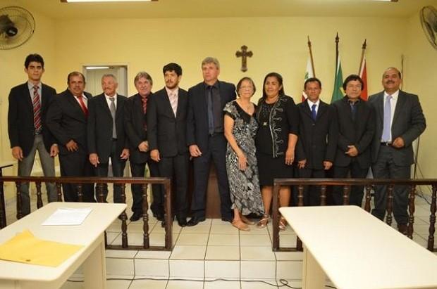 Solenidade de posse dos suplentes dos vereadores afastados de Joaquim Gomes (Foto: Luzamir Carneiro/jgnoticia)