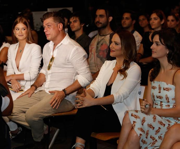 Fabio assiste ao clipe ao lado de Marina Ruy Barbosa (Foto: Raphael Dias/Gshow)